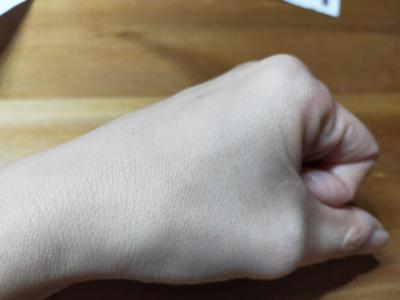 ピールオフゴマージュを使った後の手